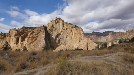 Oregon-Smith-Rocks-sun-and-shadow