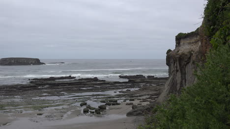 Oregon-coast-with-cliff-at-Marine-Gardens