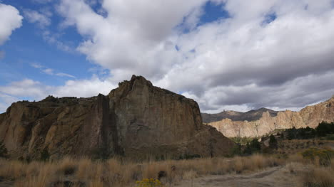 Oregon-hiker-at-Smith-Rocks