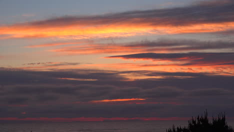 Oregon-layered-clouds-after-sunset