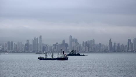Panama-ship-off-city-skyline