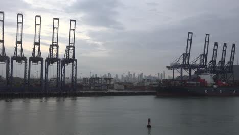Panama-view-of-Panama-City-skyline-between-cranes
