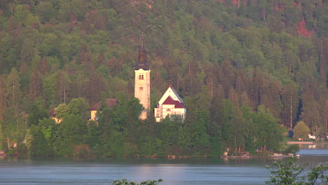Slovenia-church-on-island-in-Lake-Bled