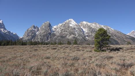 Wyoming-Teton-Range-north-of-Cascade-Canyon