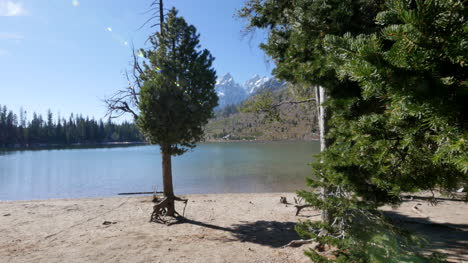 Wyoming-Jenny-Lake-with-sun-spots
