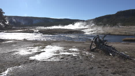 Yellowstone-Firehole-Río-En-Biscuit-Geyser-Basin