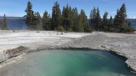 Yellowstone-Ledge-Frühling-Am-Westdaumen