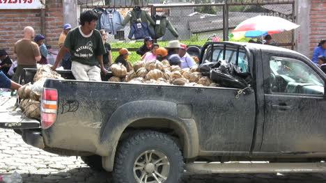 Ecuador-Camioneta-Sucia