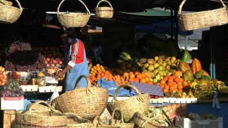 Ecuador-Fruit-market-Ambato
