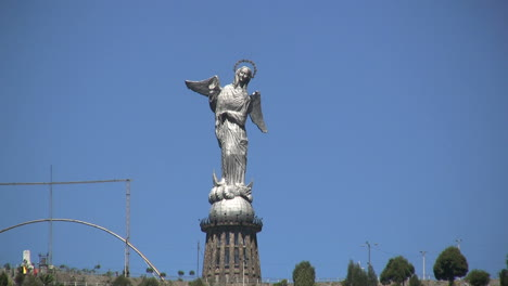 Ecuador-Quito-angel