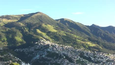 Ecuador-Quito-from-above