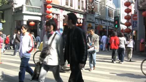 Guangzhou-people-on-street