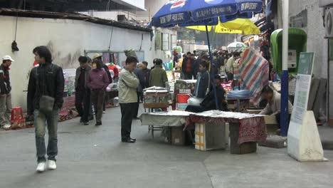 Guangzhou-shoppers