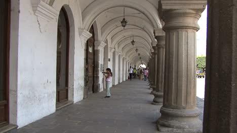 Guatemala-Antigua-arcade