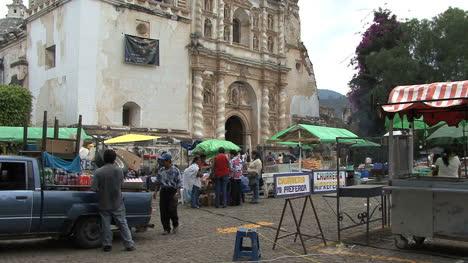 Guatemala-Antigua-pilgrimage-church
