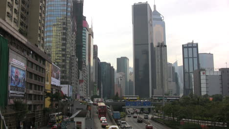 Hong-Kong-buildings-&-traffic