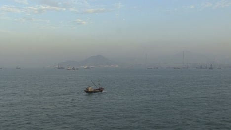Hong-Kong-harbor-dawn