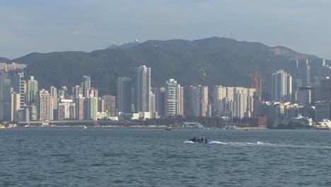 Hong-Kong-little-boat