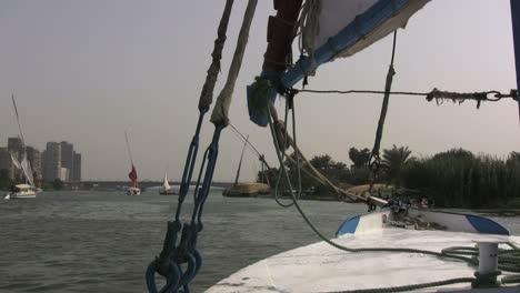 Barcos-De-Egipto-En-El-Nilo
