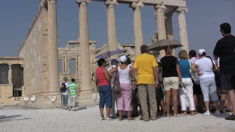 Turistas-De-La-Acrópolis-De-Atenas