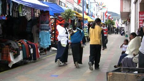 Otovalo-market-Ecuador