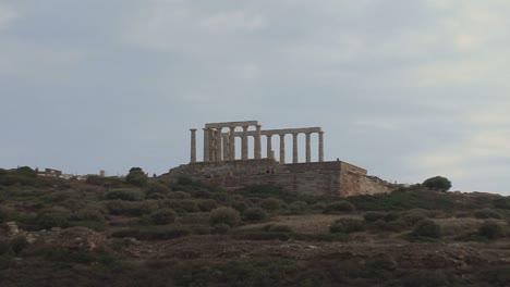 Greek-Antiquities-Zooms-to-Poseidon\-s-Temple