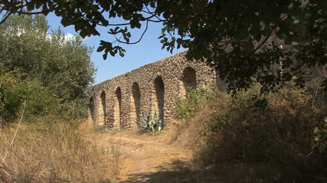 Countryside-aqueduct-in-Greece