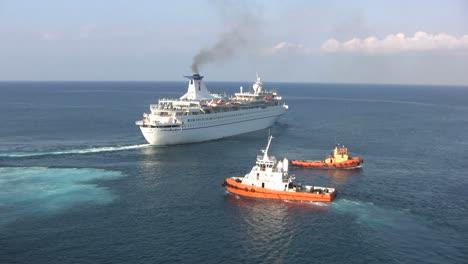 Rhodes-ship-&-tug-boats