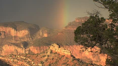 Arizona-Grand-Canyon-rainbow