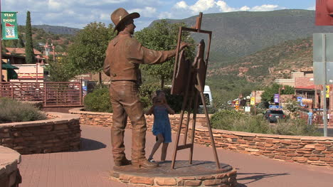 Arizona-Sedona-statue-of-cowboy-painter