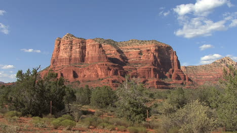 Arizona-Sedona-red-rocks-mesa