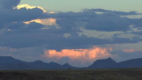 Arizona-sunset-with-a-thunderhead