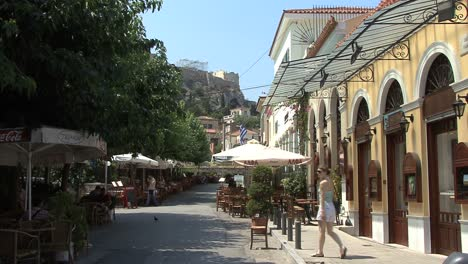 Athens-Cafes-in-the-Placa