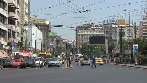 Traffic-in-Piraeus-near-Athens