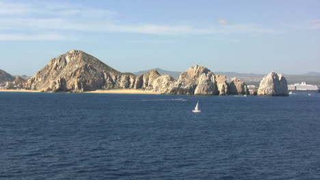 Baja-sailboat-off-lands-end