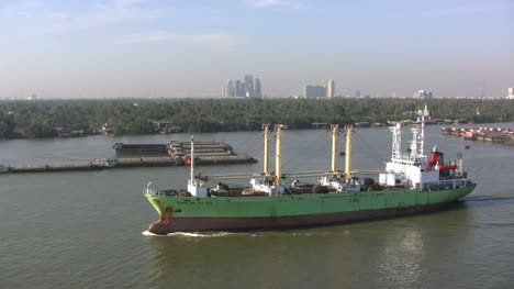 Barco-Del-Río-Chao-Phraya-De-Bangkok