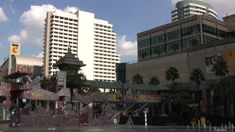 Bangkok-fountain-&-building