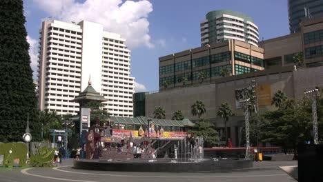 Bangkok-Plaza-&-fountain