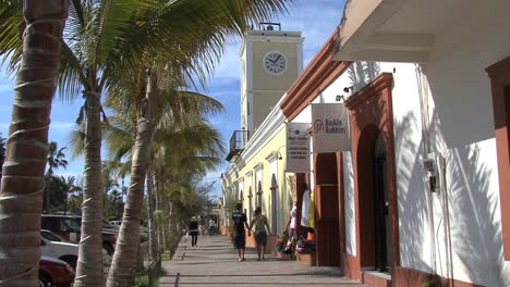 Cabo-shopping-street