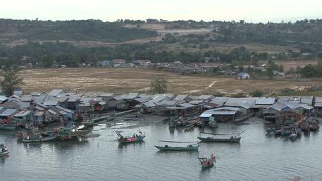 Cambodia-fishermen-and-boats