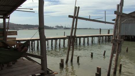 Cambodia-fishing-village-with-walkways