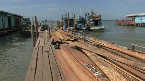 Cambodia-boards-and-fishing-boats
