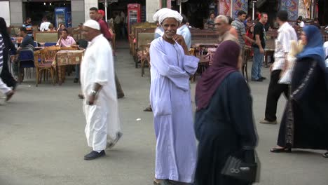 Egypt-Market-with-people