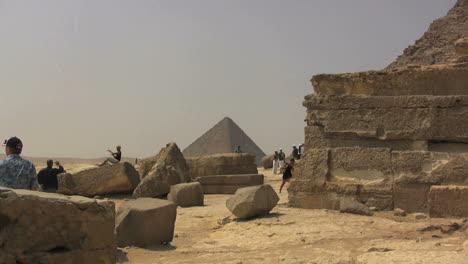 Egypt-Pyramids-with-tourists