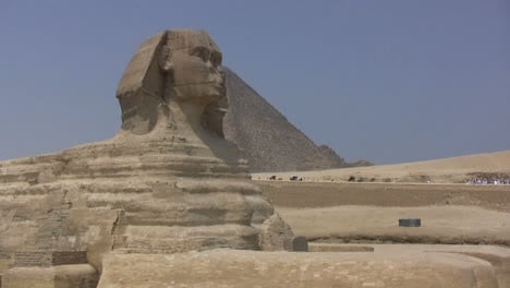 Egypt-sphix-and-pyramid-at-Giza