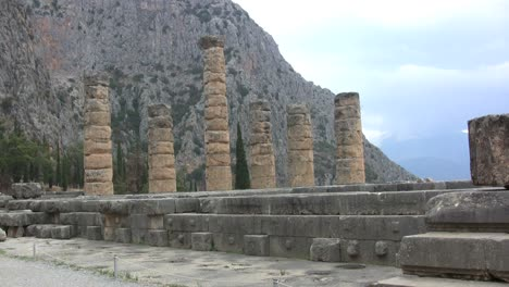Greece-Delphi-Apollo-temple-columns