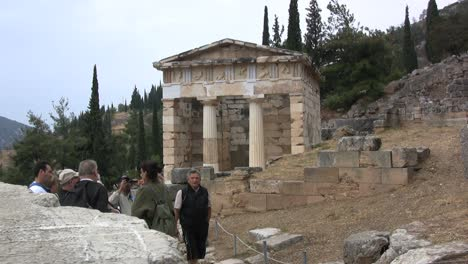 Greece-Delphi-treasury-building