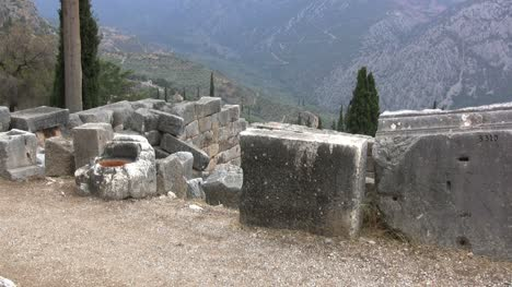Greece-view-from-the-ruins-at-Delphi