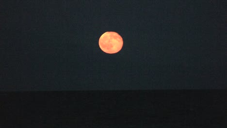 Full-moon-over-the-Gulf-of-Corinth
