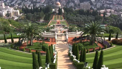 Haifa-Bahai-headquarters-and-gardens